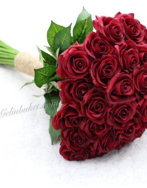 canlı dokulu ıslak kırmızı 30 güllü gelin çiçeği