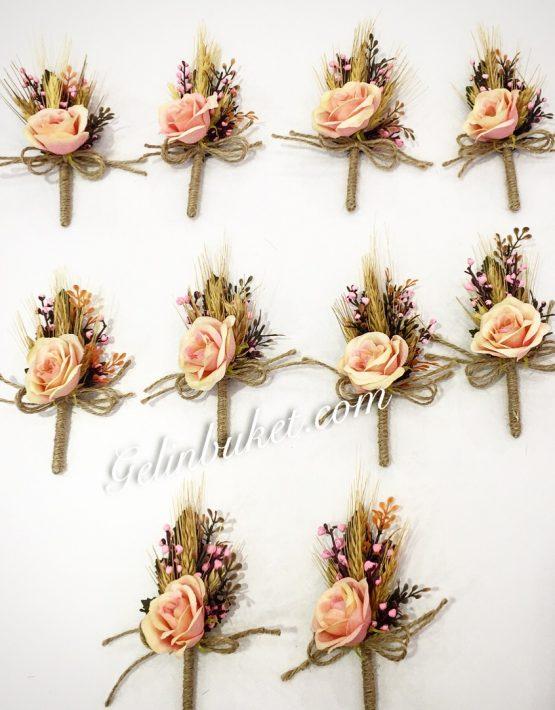 kuru çiçekli ve güllü Damat Yaka Çiçekleri